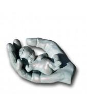 Baby in hand groen