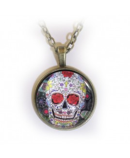Skull red eye amulet